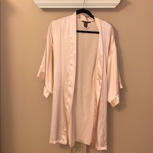 Victoria's Secret silk robe with pockets Size M/L